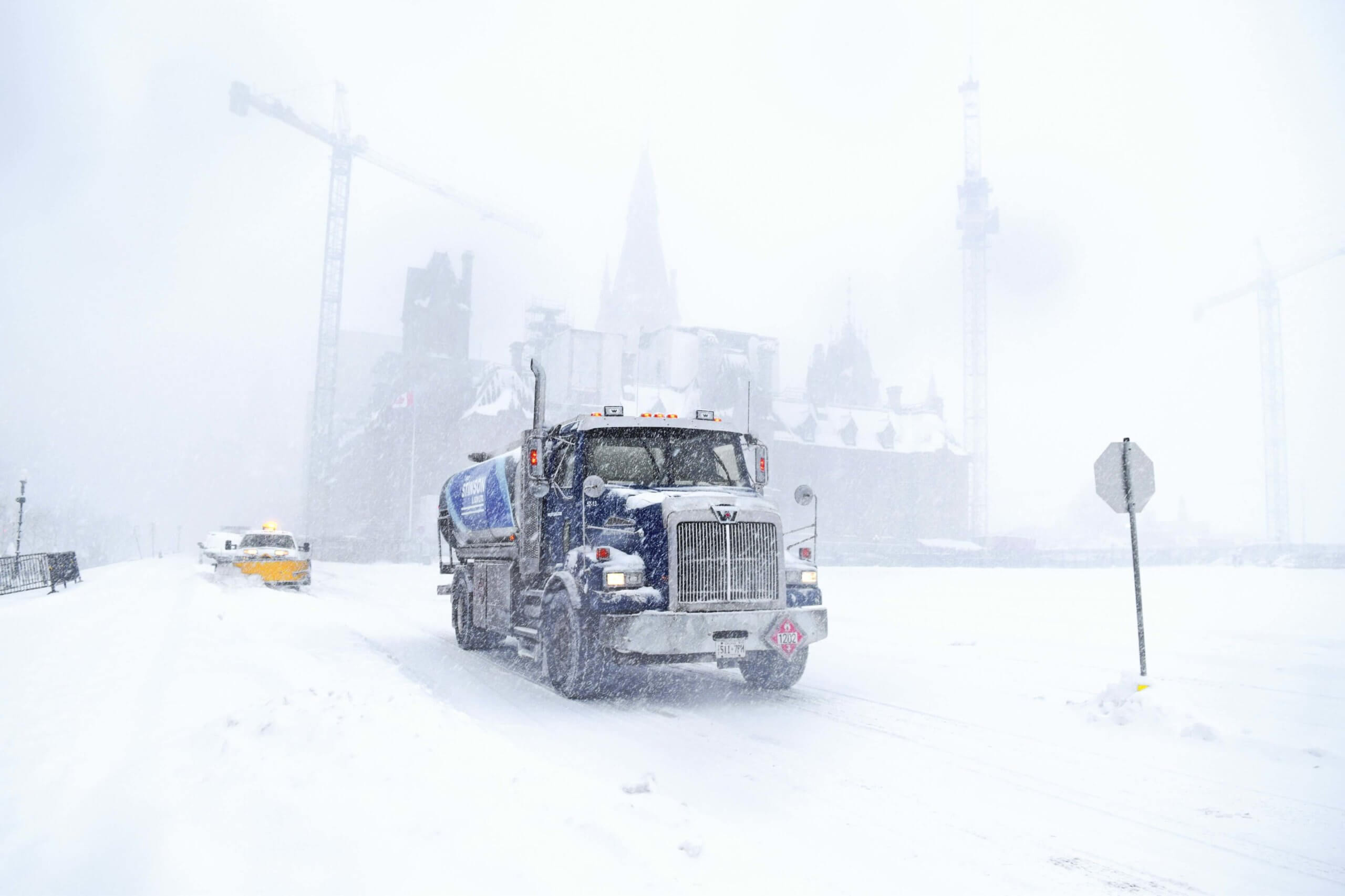 city-trucks-tackle-blizzard